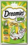 Лакомство для кошек Dreamies Лакомые подушечки с курицей и мятой